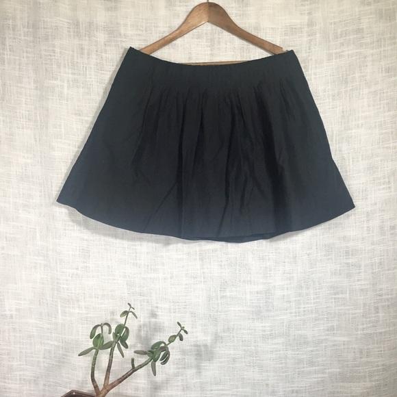 Banana Republic Dresses & Skirts - Banana Republic Black Cotton Pintuck Mini Skirt
